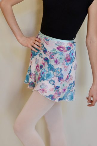 white-hydrangeas-skirt