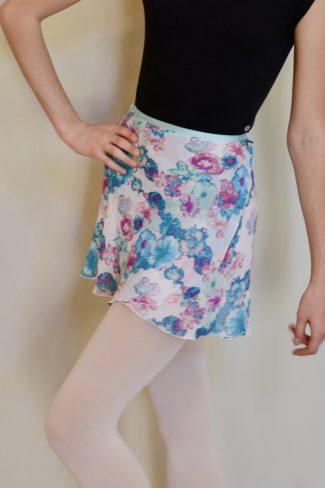white-hydrangeas-skirt