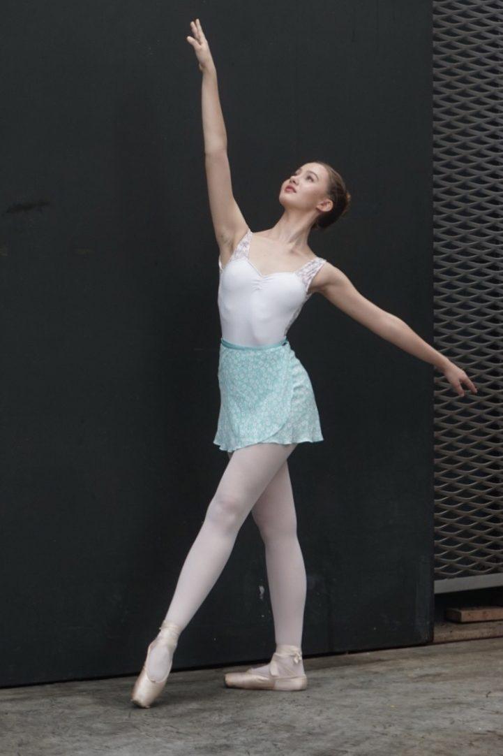 japanese-ballet-mint-skirt