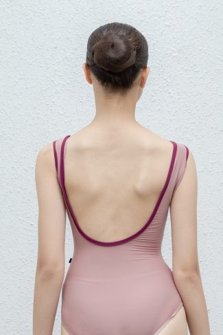 trim-vanessa-back-view-custom-leotard