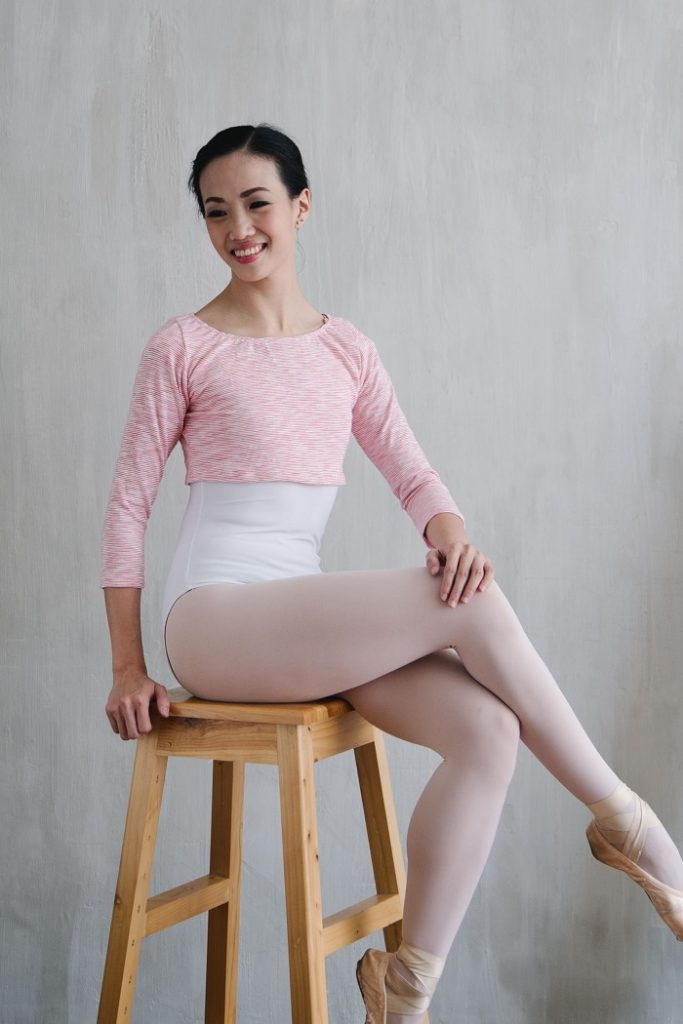 ballet-warmers crop top