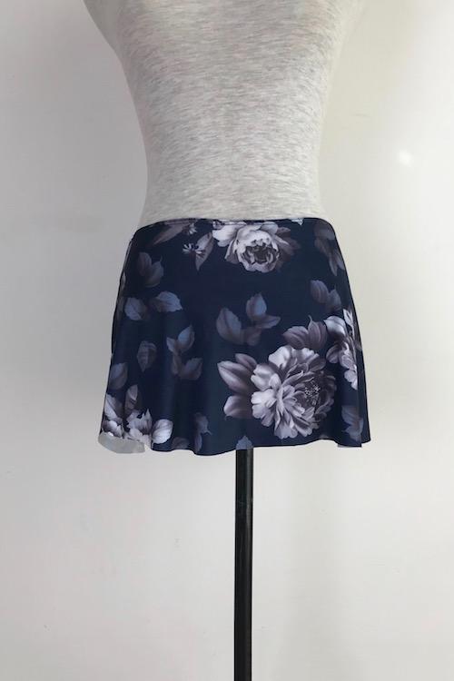 damask-navy-pull-on-skirt