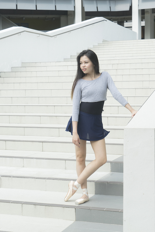 warmer crop top in Silver Ash