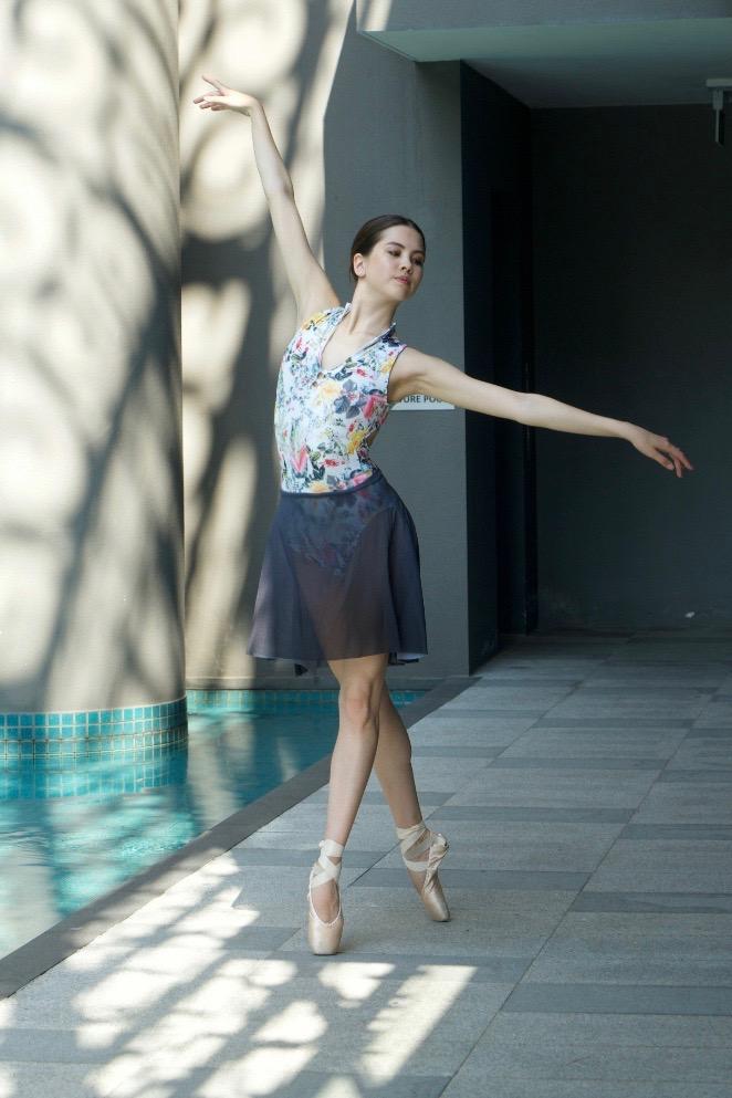 2 ombre grey mesh pull on skirt