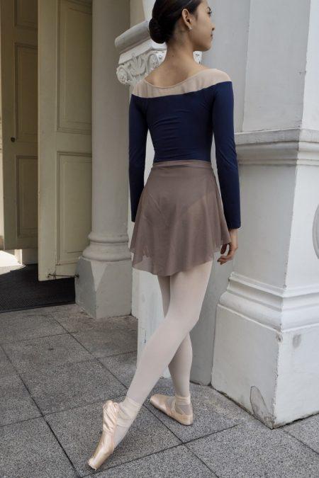coffee-short-mesh-skirt with epaule-u leotard