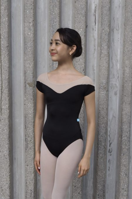 epaule-V-off-shoulder-leotard